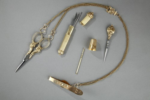 19th century - Gold sewing box with chatelaine. Circa 1820-1830