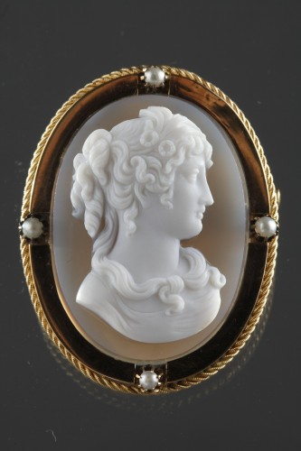 Mid-19th century Gold brooch with agate cameo - Antique Jewellery Style Napoléon III