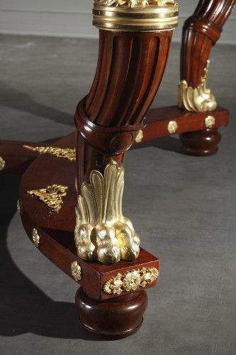Antiquités - Mahogany and gilt bronze pair of consoles, table and chairs Empire style.