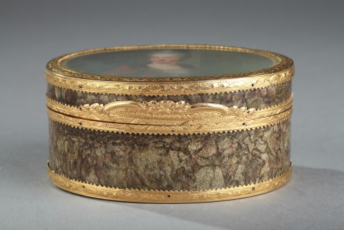 Objects of Vertu  - 18th-century Gold box with miniature on ivory Elisabeth Auguste Palatina