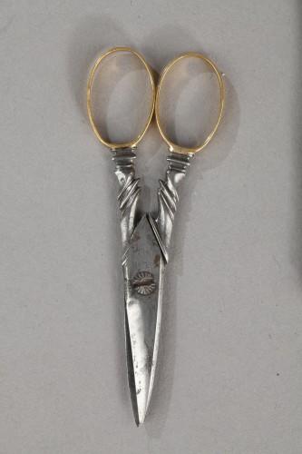 Antiquités - 18th Century Gold Necessaire.