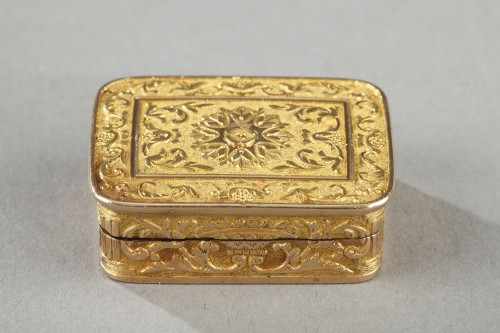 Rectangular, gold vinaigrette early 19th century - Objects of Vertu Style Empire