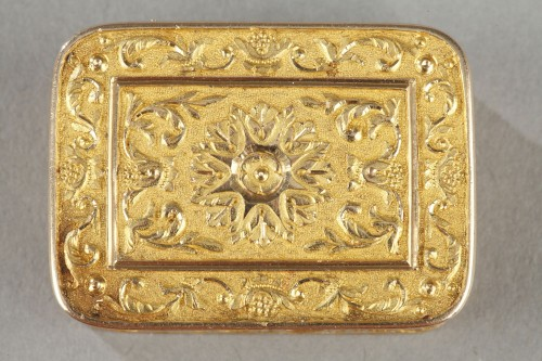 Objects of Vertu  - Rectangular, gold vinaigrette early 19th century