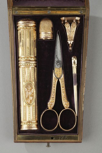 18th century gold sewing set with wax case - Objects of Vertu Style Louis XVI