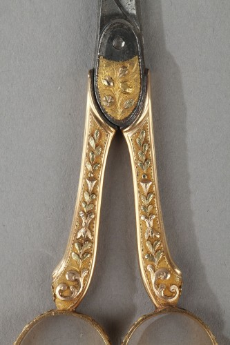 18th century gold sewing set with wax case - Louis XVI