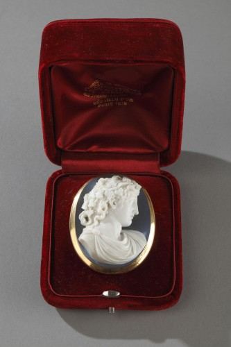 Antiquités - Cameo on agate gold mount 19th century