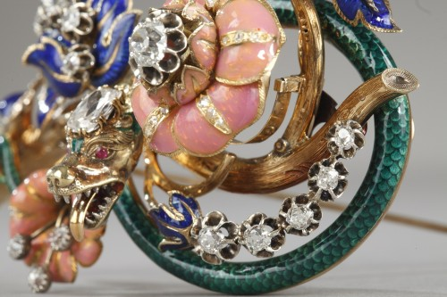 """Antiquités - Gold and enameled """"trembleuse"""" brooch"""