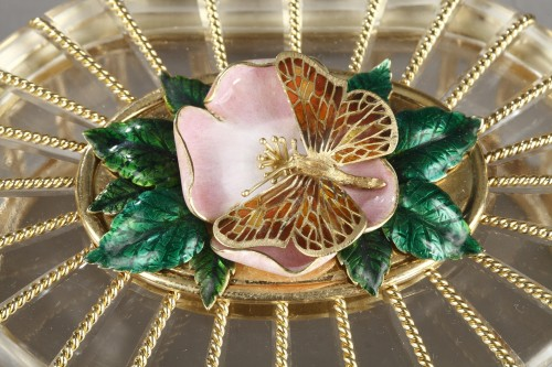 A rock crystal box with enamelled gold mounts - Objects of Vertu Style 50