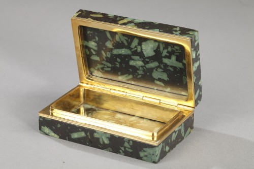 Gold and Porphyry box with micromosaic after Antonio de Angelis. Early 19th -