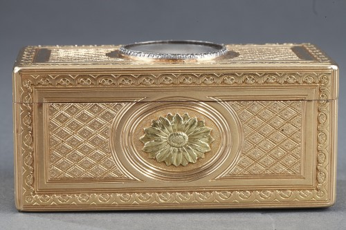 18th century - Louis XV gold snuffbox with ivory miniature Paris 1763