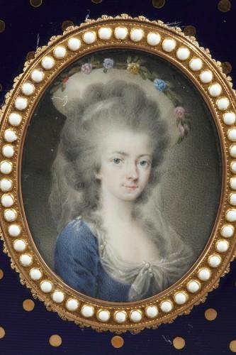 Gold and enamel writting case. Louis XVI -
