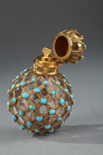Objects of Vertu  - Gold, crystal and turquoise Perfume flask Restauration Period