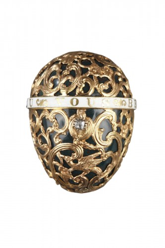 A 18th century gold cage work mounted bloodstone egg .