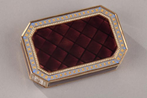 Early 19th Century Swiss gold and enamelled snuff box. - Empire