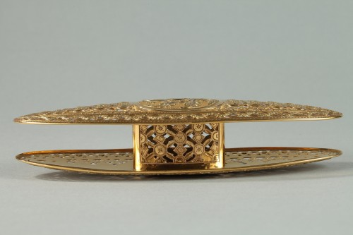 Antiquités - Large gold spool. louis xv period of Mathieu Coigny