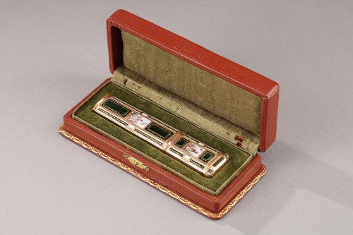 Antiquités - Late18th Century swiss Enameled gold needle or wax case