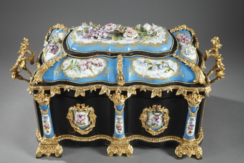 Napoléon III - A mid 19th century large ebony and porcelain coffer - alphonse giroux.