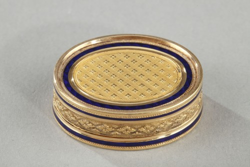 Early 19th Century Gold Vinaigrette - Objects of Vertu Style Restauration - Charles X