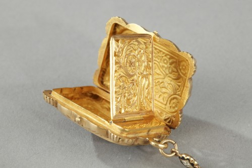 Mid-19th Century Gold Vinaigrette and ring -