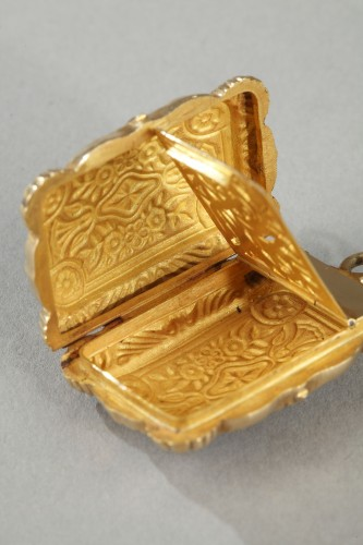 Louis-Philippe - Mid-19th Century Gold Vinaigrette and ring