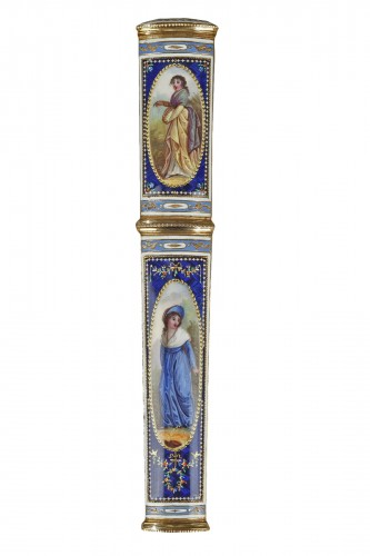 Gold and enamel needle or wax case