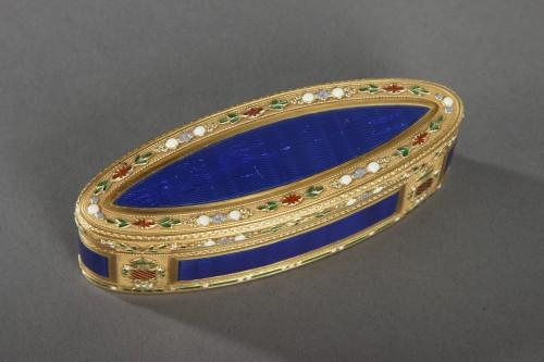 18th century - 18th Century Gold and Enamel Snuffbox