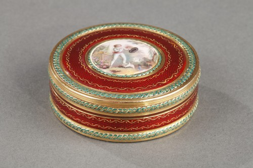 Bonbonnière, or candy box, in intricately patterned gold and, ruby-red enamel - Objects of Vertu Style Louis XVI