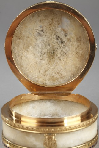 Antiquités - Quartz and gold snuff box with enamel and diamond. Rozet and Fishmeinster