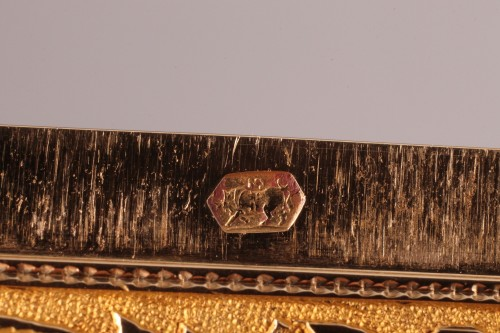 Hanau Gold snuffbox with strass and portrait - Objects of Vertu Style Restauration - Charles X