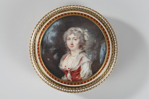 Objects of Vertu  - Gold and enamel bonbonniere with miniature on ivory