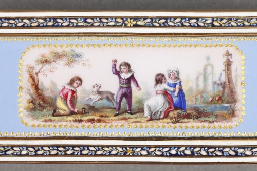 18th century - Gold and sky blue enamel snuffbox