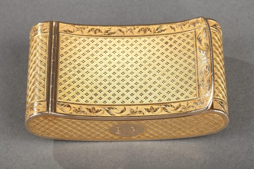 Early 19th Century curved snuff box - Objects of Vertu Style Restauration - Charles X