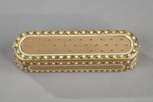 Objects of Vertu  - A 18th-Century Gold and enamel case. Hanau