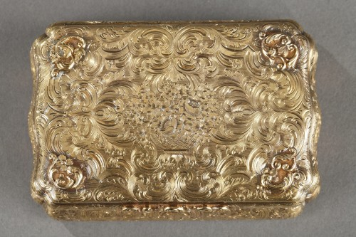 Objects of Vertu  - Mid-19th century Hanau Gold Box
