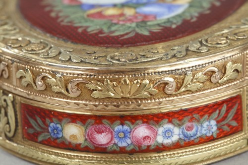 Restauration - Charles X - snuffbox in multicolored gold and enamel