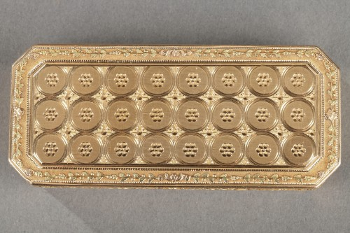 Objects of Vertu  - Early 19th century gold snuff-box louis galopin