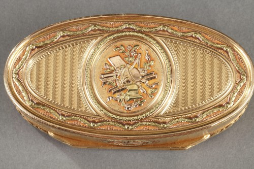 Gold snuff box - Objects of Vertu Style Louis XVI