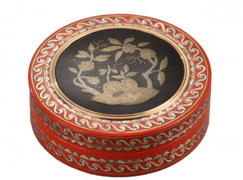 Varnish and gold pique-work box mid-18th century