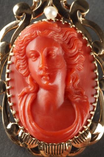 19th century Gold and Coral Brooch Pendant  - Napoléon III