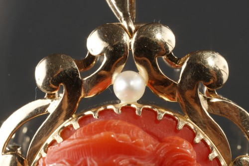 Antiquités - 19th century Gold and Coral Brooch Pendant