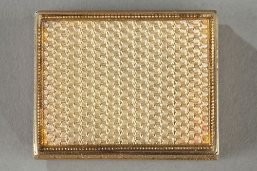 19th century - Rectangular, enameled gold vinaigrette