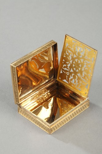 Restauration - Charles X - Rectangular, enameled gold vinaigrette