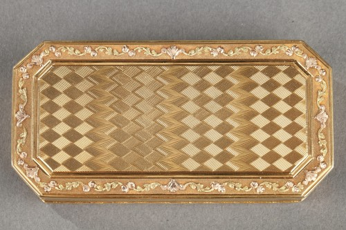 Objects of Vertu  - Gold Snuff box Late 18th century