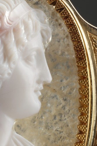 19th century - Cameo on agate, gold mounting