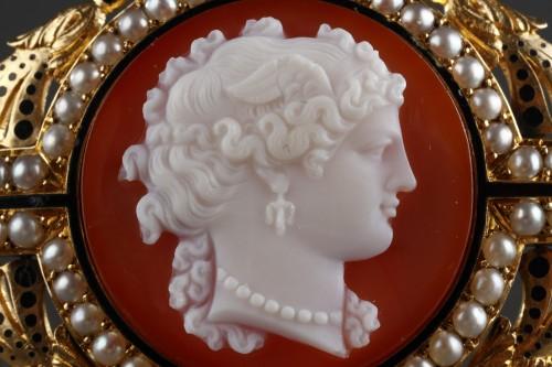 19th century - Camée sur agat  Broche or