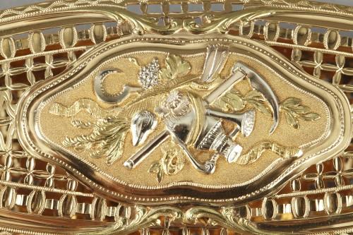 A Louis XV gold knotting shuttle - Louis XV