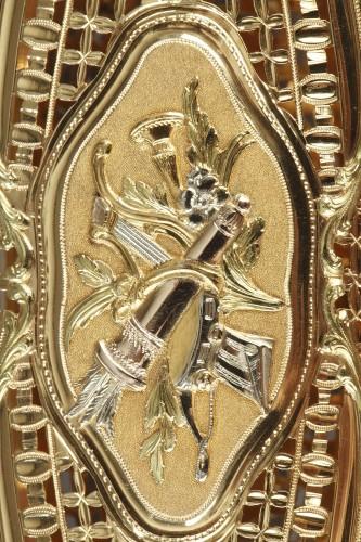 Louis XV - A Louis XV gold knotting shuttle