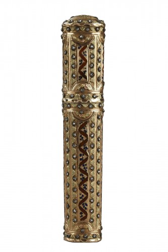 18th century gold wax case with diamonds,and enamel