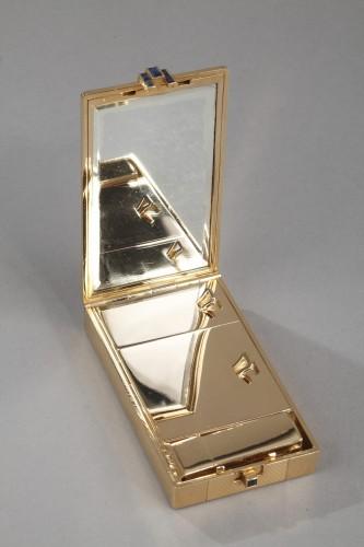Art Déco - A square gold vanity case box by Cartier