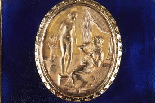 A Louis XV Gold and enamelled toiletries case circa 1771 -